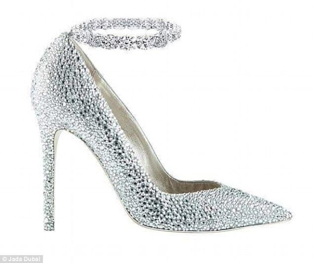 Chiêm ngưỡng những đôi giày làm từ vàng và bạch kim - 1