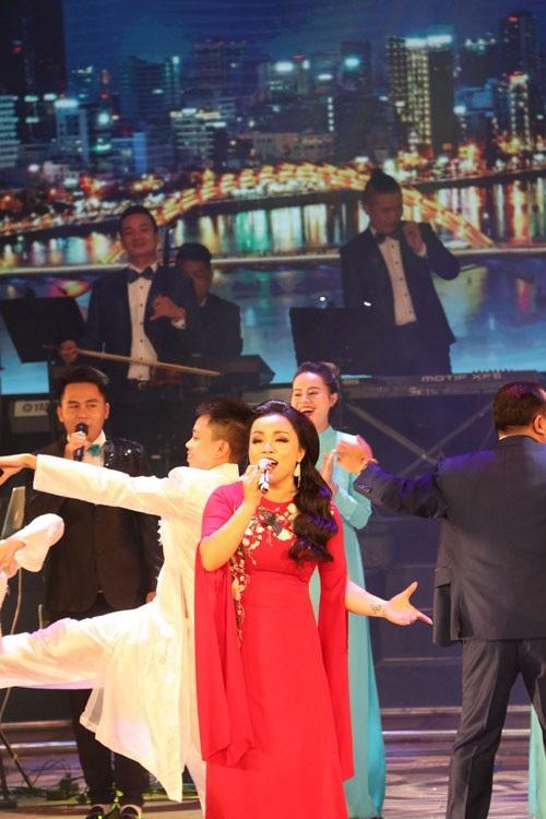 35 HCV được trao tại Liên hoan Ca múa nhạc toàn quốc 2018 đợt 2 - 5