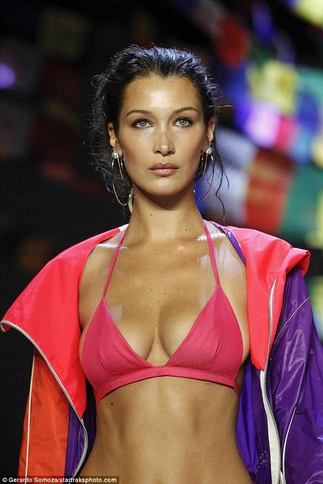 Bella Hadid khoe ngực căng tròn trong bộ đồ màu sắc
