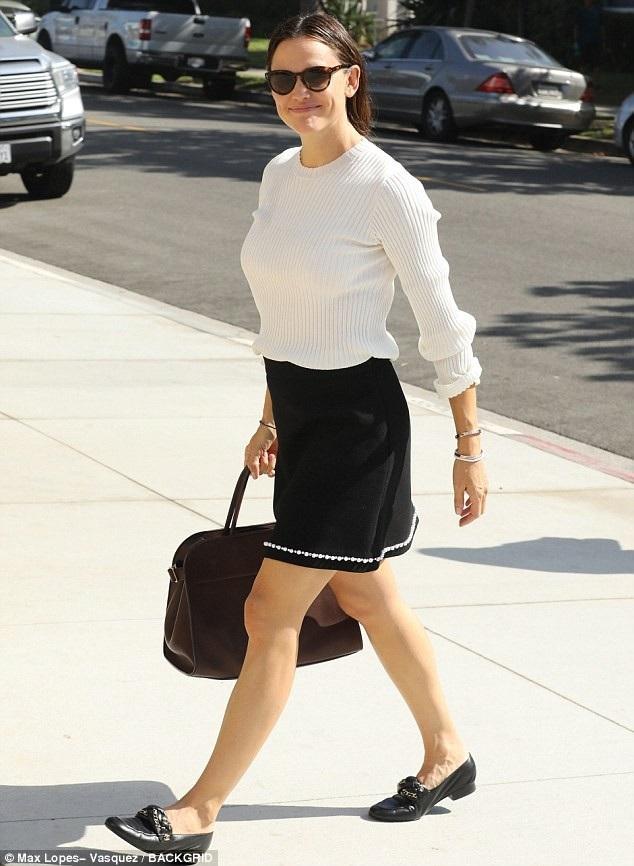 Jennifer Garner được xem là một trong những người phụ nữ đẹp và bản lĩnh nhất Hollywood. Cô từng được chồng cũ ca ngợi là người phụ nữ dịu dàng, sống trách nhiệm và chấp nhận hi sinh sự nghiệp để anh tập trung phấn đấu. Sau khi ly dị, Jennifer vẫn quan tâm tới Ben và hỗ trợ anh bất kỳ lúc nào anh cần.