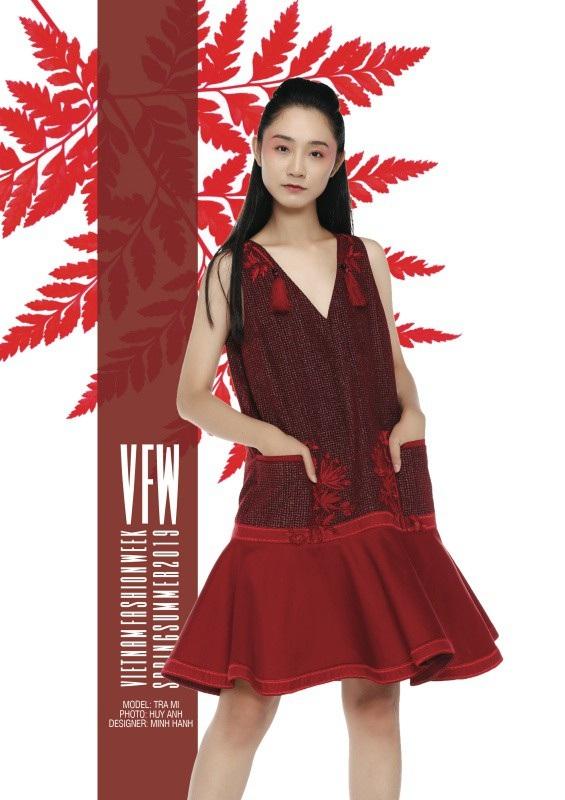 Trang phục của NTK Minh Hạnh.