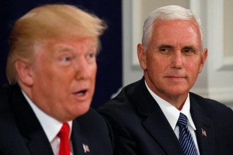 Phó Tổng thống Mike Pence và Tổng thống Donald Trump (Ảnh: AFP)