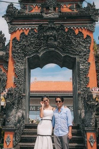 Siêu mẫu Trang Lạ gợi cảm cùng chồng đại gia khám phá thiên đường Bali - 1