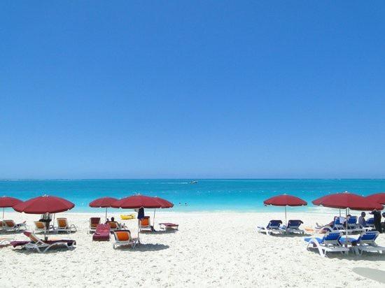 Du ngoạn trên 10 hòn đảo đẹp nhất thế giới - 4