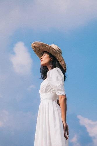 Siêu mẫu Trang Lạ gợi cảm cùng chồng đại gia khám phá thiên đường Bali - 5