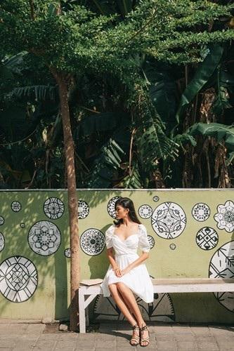 Siêu mẫu Trang Lạ gợi cảm cùng chồng đại gia khám phá thiên đường Bali - 7