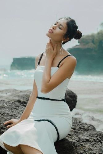 Siêu mẫu Trang Lạ gợi cảm cùng chồng đại gia khám phá thiên đường Bali - 9
