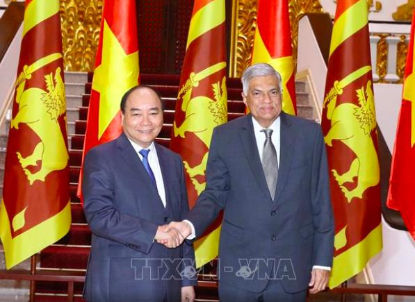 Thủ tướng Nguyễn Xuân Phúc và Thủ tướng Sri Lanka Ranil Wickremesinghe (ảnh: TTXVN)