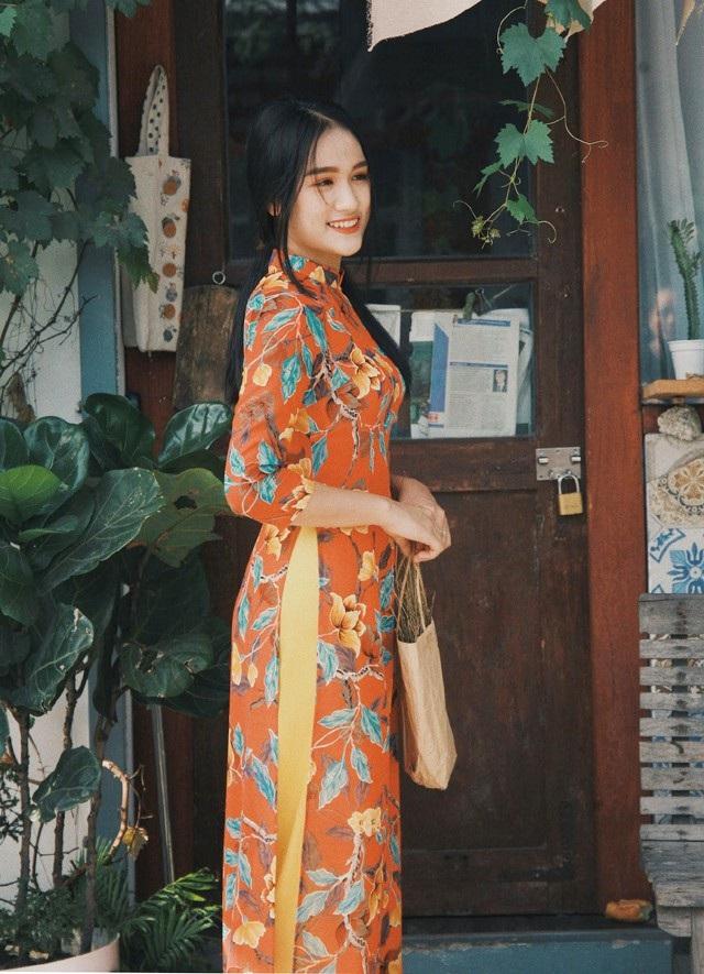 Bộ ảnh trong những thiết kế áo dài mang đậm chất xưa được cô bạn Lê Ngọc đưa lên Facebook cá nhân đã nhận được nhiều phản hồi tích cực của mọi người