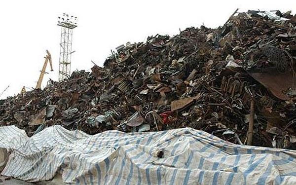 Nhằm ngăn chặn việc lạm dụng nhập phế liệu về sản xuất, Thủ tướng yêu cầu không cấp phép cơ sở nhập phế liệu về sơ chế, tái chế.