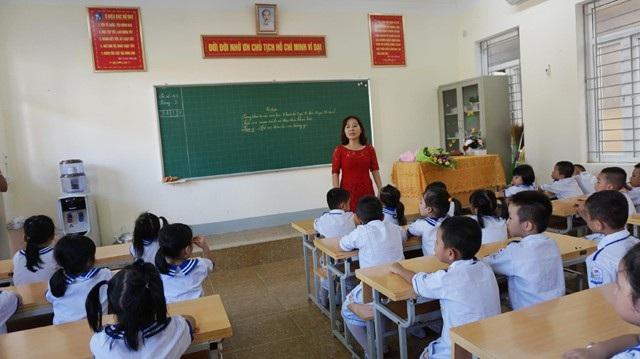Một buổi học của học sinh lớp 1, Trường Tiểu học Hà Huy Tập (TP Vinh, Nghệ An)