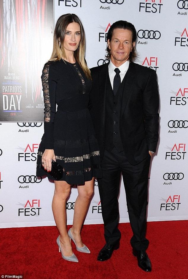 Mark Wahlberg và vợ