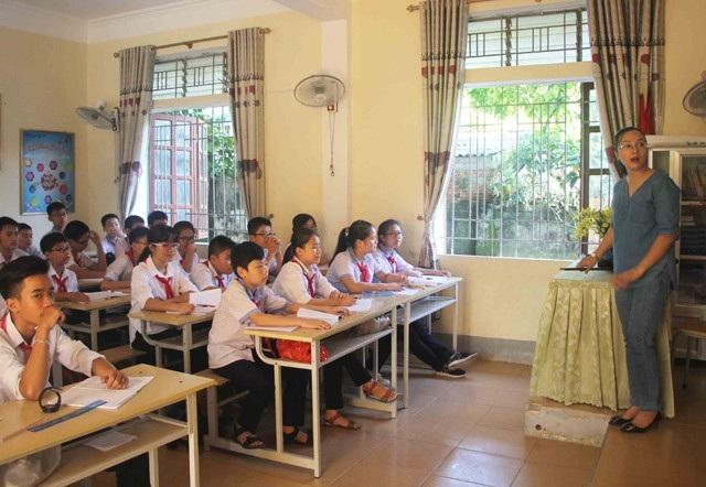Hiện Nghệ An đang dôi dư hơn 1.000 giáo viên bậc THCS nhưng lại thiếu giáo viên bậc tiểu học, mầm non. (Ảnh minh họa: Giờ học của cô trò Trường THCS Hưng Dũng, TP Vinh)