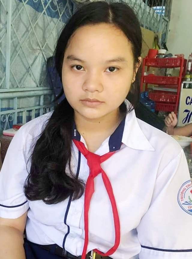 Mẹ đã tuyệt vọng, chị cũng lực bất tòng tăm, nay tính mạng và tương lai của cháu Phương Trang chỉ còn mong chờ vào sự sẻ chia của các tấm lòng hảo tâm.