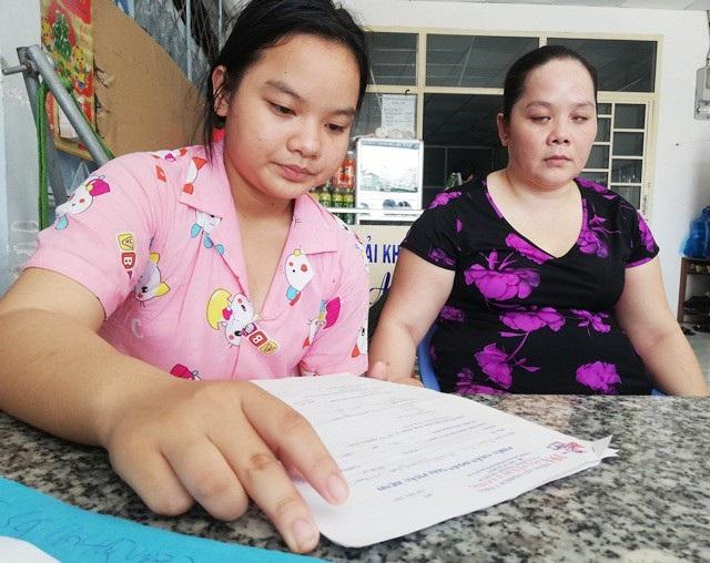 Nỗi đau nào hơn khi người mẹ mù lại phải đang lo lắng cho đứa con gái mắc bệnh hiểm nghèo.