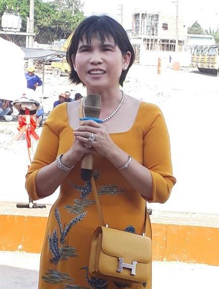 Bà Phạm Thị Hường, Chủ tịch HĐQT Công ty TNHH Bất động sản Phú Hồng Thịnh kiêm TGĐ Công ty TNHH Quản lý Đầu tư Phát triển Đô thị Việt Nam (đại diện chủ đầu tư) cam kết dự án sẽ mang lại môi trường sống xanh, sạch đẹp và đẳng cấp