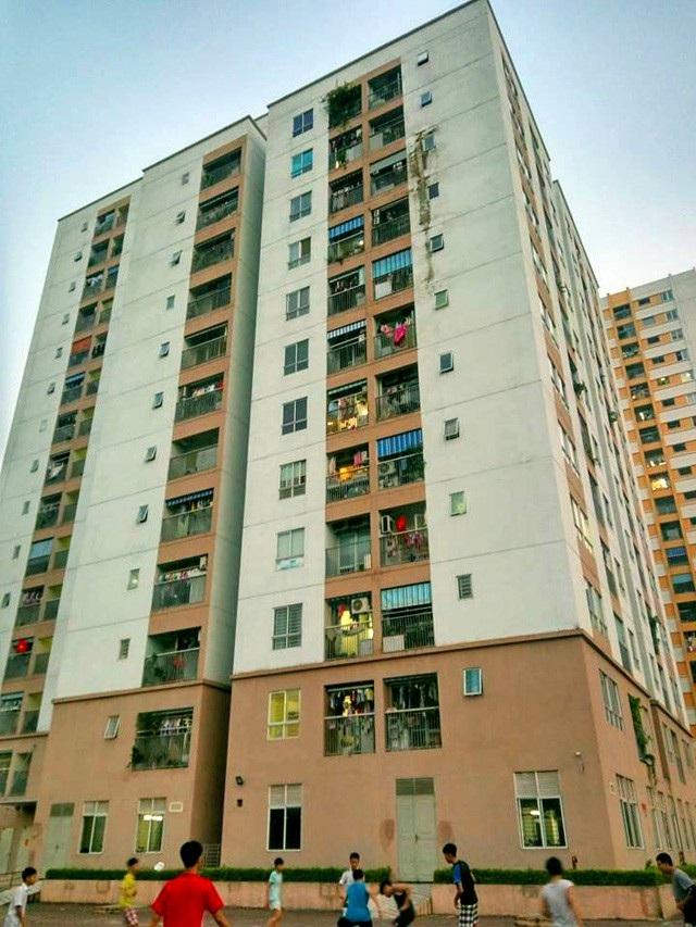 Hàng loạt các vấn đề an toàn PCCC, chất lượng công trình không được khắc phục đang khiến cư dân chung cư CT1-A1-A2 bức xúc.