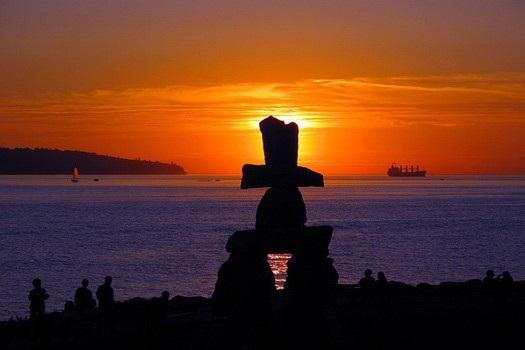 Những bờ biển sở hữu bức tượng nổi tiếng thế giới - 4