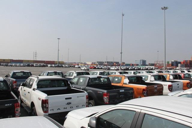 Trước động thái thuế và phí xe bán tải có thể tăng lên, khách Việt ồ ạt đặt mua dòng xe ăn khách