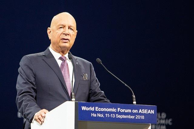 Nhà sáng lập kiêm Chủ tịch điều hành Diễn đàn Kinh tế Thế giới Klaus Schwab phát biểu khai mạc diễn đàn.