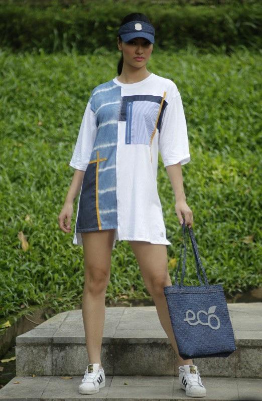 NTK Xuân Hảo chọn những gam màu tươi và trầm nhẹ nhàng trên nền vải cotton và kaki.