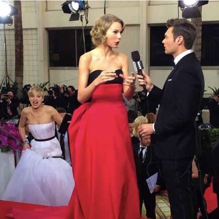 Nhìn vào cơ mặt biểu cảm phong phú cỡ này của Jennifer Lawrence thì ai nấy đều hiểu được lý do tại sao J.Law xuất sắc giành giải Oscar diễn xuất