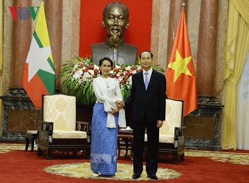 Chủ tịch nước Trần Đại Quang tiếp Cố vấn Nhà nước Myanmar (ảnh: VOV)