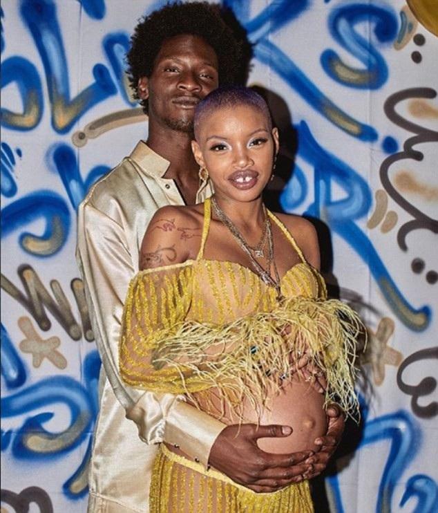 Slick Woods và bạn trai đã vừa đón con trai chào đời.