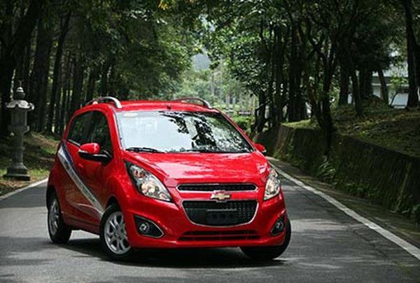 Chiếc Chevrolet Spark Duo tiếp tục giữ vững danh hiệu Chiếc xe lắp ráp trong nước rẻ nhất Việt Nam.