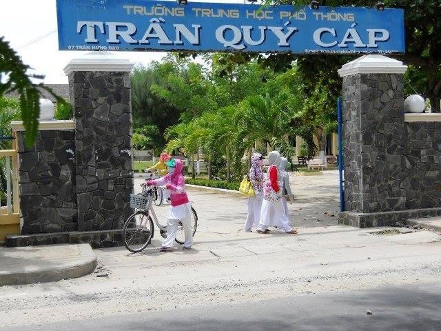 Trường THPT Trần Quý Cáp - nơi tân hoa hậu Trần Tiểu Vy học lớp 10