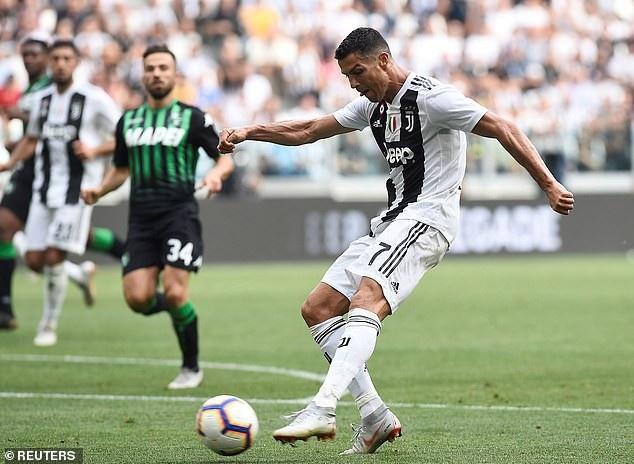 C.Ronaldo ghi bàn thắng thứ 2 ở phút 65