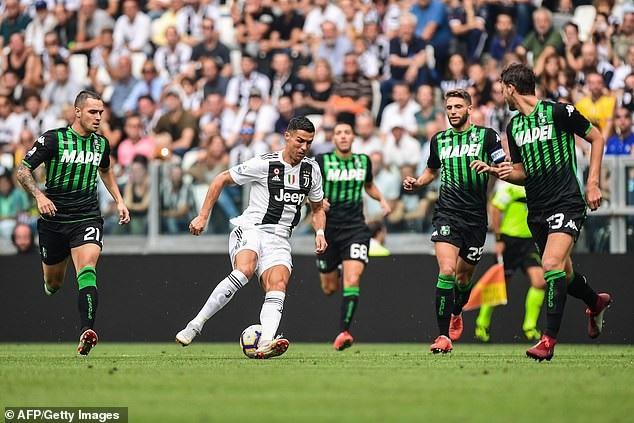 C.Ronaldo đã chấm dứt cơn hạn hán bàn thắng kéo dài 320 phút