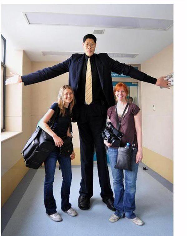 Trương Tuấn Tài - người đàn ông có chiều cao khủng 2m42