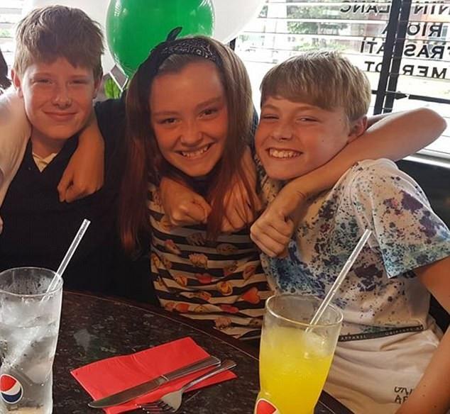 Ethan Houghton (trái), Aimme Goldsmith (giữa) và Josh Houghton, 3 trong số 4 nạn nhân tử vong trong vụ tai nạn