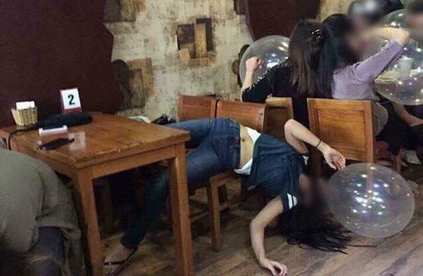 Bóng cười được giới trẻ sử dụng tại nhiều quán bar, quán cafe