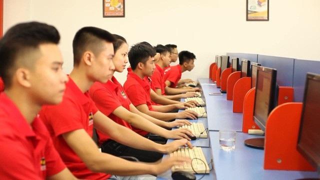 Sinh viên Aptech thường xuyên cập nhật những công nghệ mới nhất