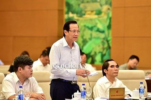 Bộ trưởng Bộ Lao động, Thương binh và Xã hội Đào Ngọc Dung phát biểu tại phiên họp. Ảnh: Quochoi.vn