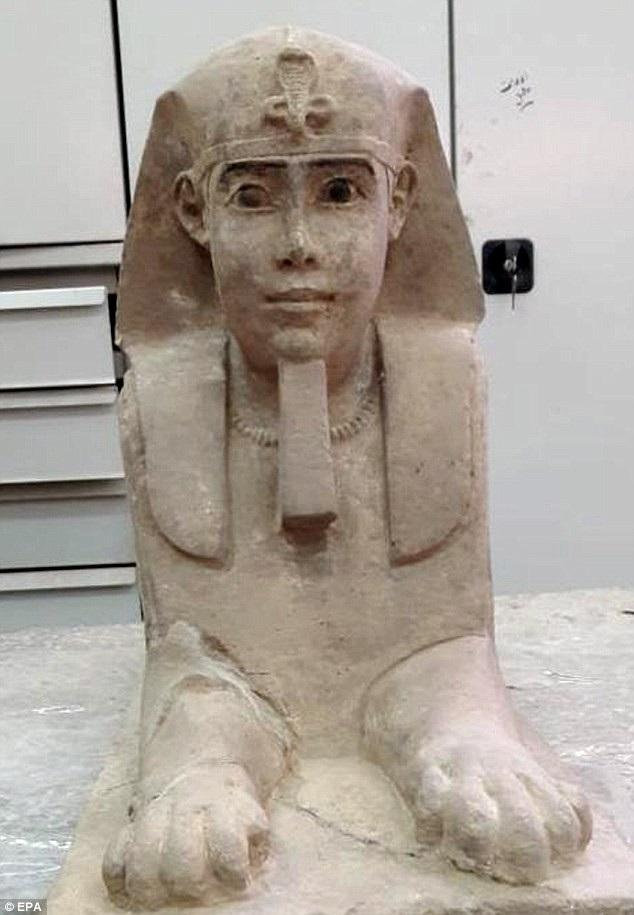 Tượng nhân sư có niên đại 2.000 năm.