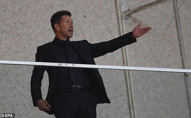 HLV Diego Simeone mãn nguyện khi đội nhà chiến thắng, ông vẫn đang bị cấm chỉ đạo từ mùa giải trước