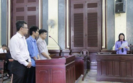 Lợi dụng sơ hở Minh và Hùng đã tham ô hơn 9 tỉ đồng.