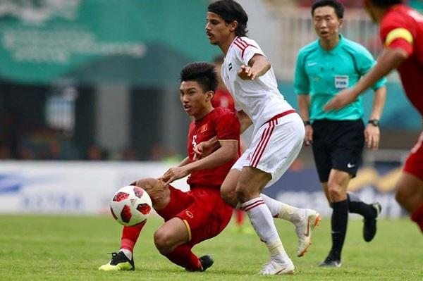 Trọng tài Kim Dea Young đưa ra một vài quyết định bất lợi cho Olympic Việt Nam