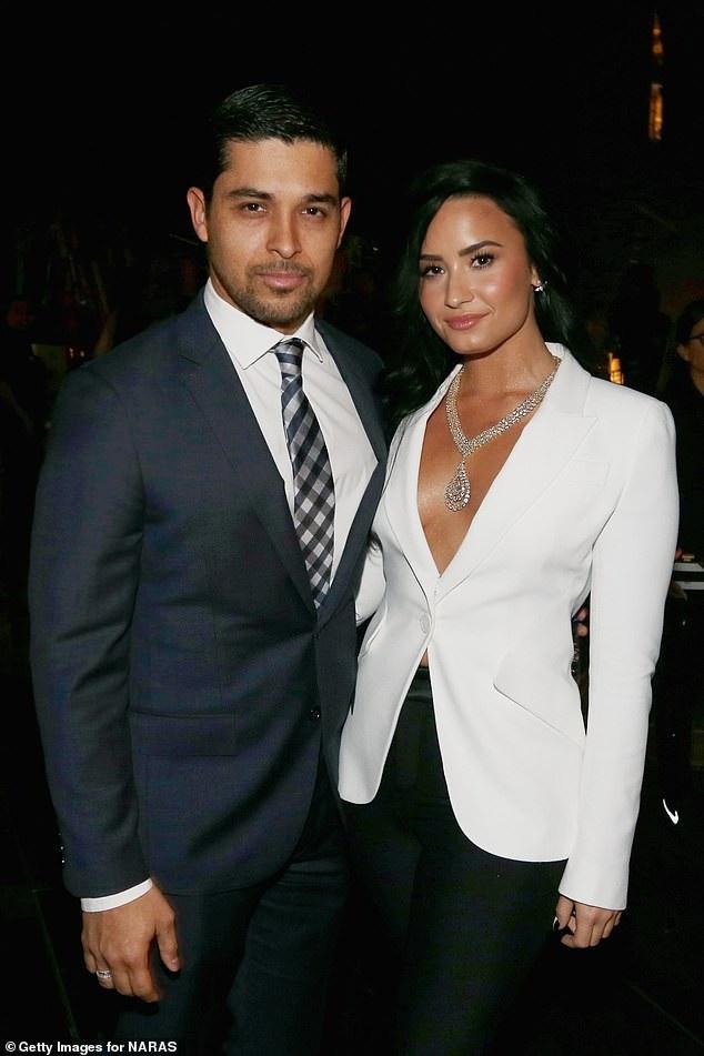 Bạn trai cũ tới thăm Demi Lovato trong trại cai nghiện - 1