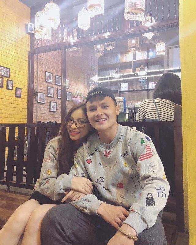 Quang Hải và bạn gái