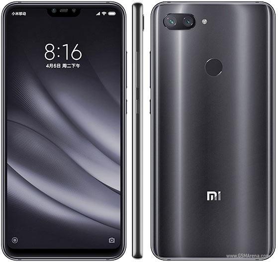 Xiaomi Mi 8 Lite có thiết kế cụm camera kép bố trí theo chiều ngang, thay vì chiều dọc