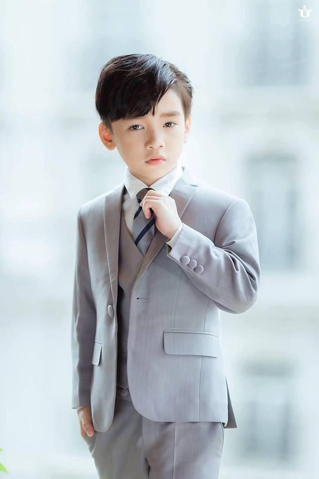 """Cao Hữu Nhật - Chàng """"hoàng tử quốc dân"""" đến từ thủ đô Hà Nội nhận được kỳ vọng sẽ tạo ấn tượng tốt tại sàn runway đình đám của ngành thời trang nước bạn."""