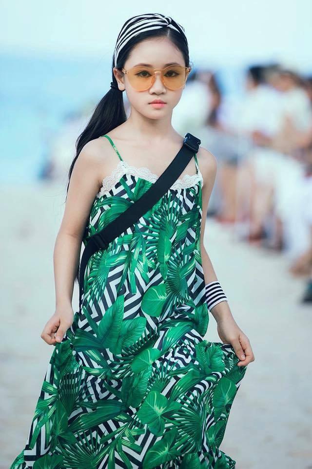 Đặng Minh Anh - Mẫu nhí đến từ Hà Nội – Đặng Minh Anh là gương mặt sáng giá được gọi tên tại Malaysia Fashion Week 2018.