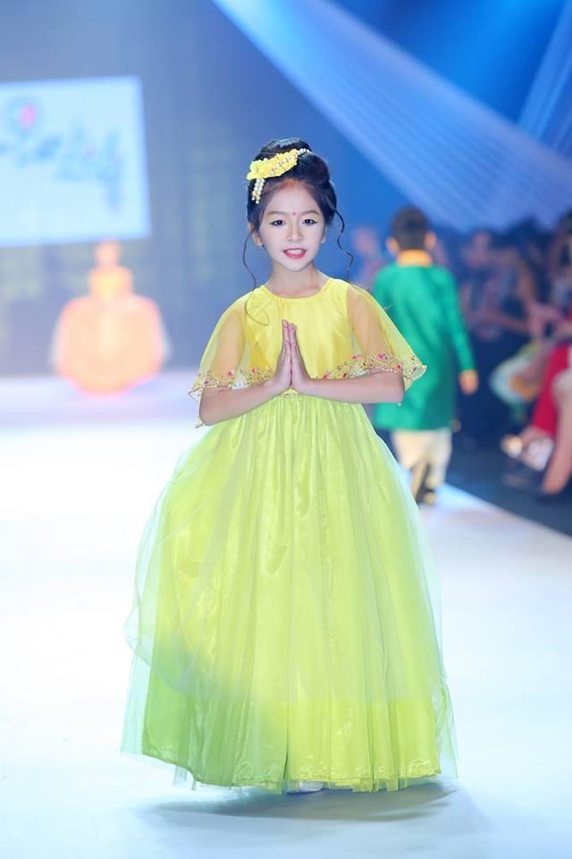 Đỗ Ngọc Như Ý - Từng góp mặt tại hàng loạt các sàn diễn đình đám như: Phong cách châu á, Mốt và cuộc sống, Asian Kids Fashon Week 2018, Người mẫu thời trang 2018… Đỗ Ngọc Như Ý không thể vắng mặt trong danh sách đề cử đại diện góp mặt tại Malaysia Fashion Week năm nay.