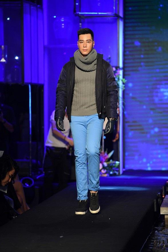 Các thiết kế áo len với điểm nhấn họa tiết mang lại sự trẻ trung