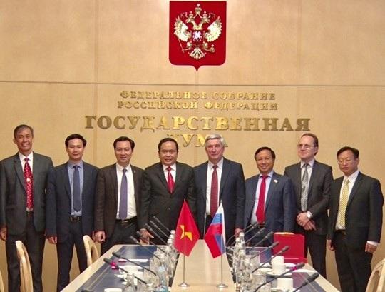 Nhân dân Việt Nam luôn trân trọng những tình cảm tốt đẹp và sự giúp đỡ quí báu mà nhân dân Nga đã dành cho nhân dân Việt Nam trong sự nghiệp xây dựng và bảo vệ đất nước.
