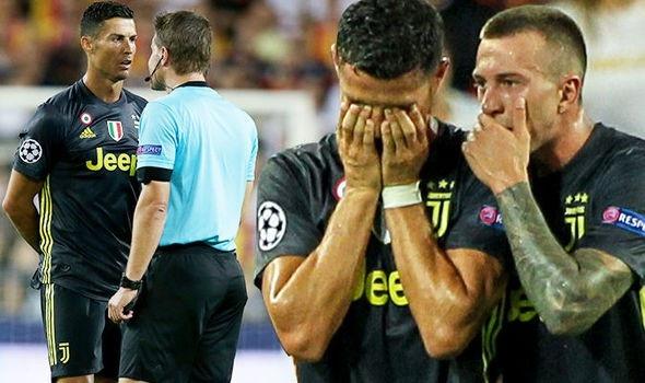 C.Ronaldo có thể chịu hậu quả nặng nề vì tấm thẻ đỏ tai hại